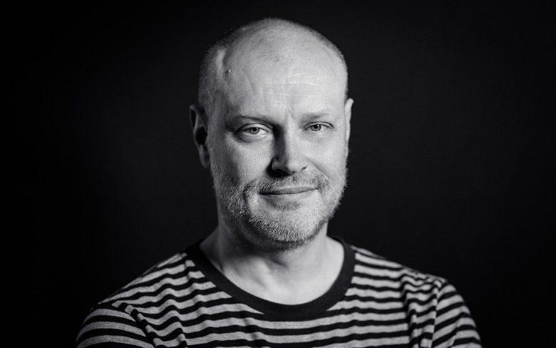 Nhà thiết kế đồ hoạ nổi tiếng thế giới Jonathan Barnbrook